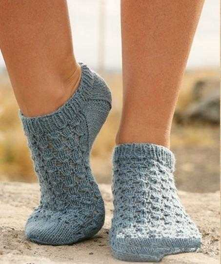 Как связать шерстяные носки спицами