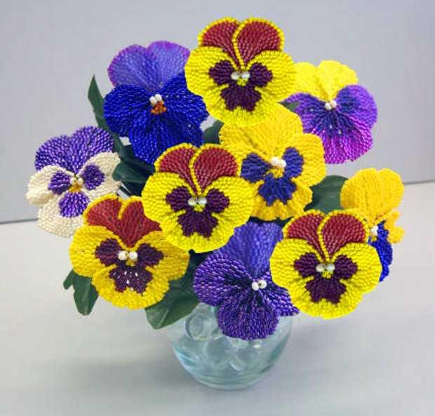 Цветок из бисера, украсит ваше