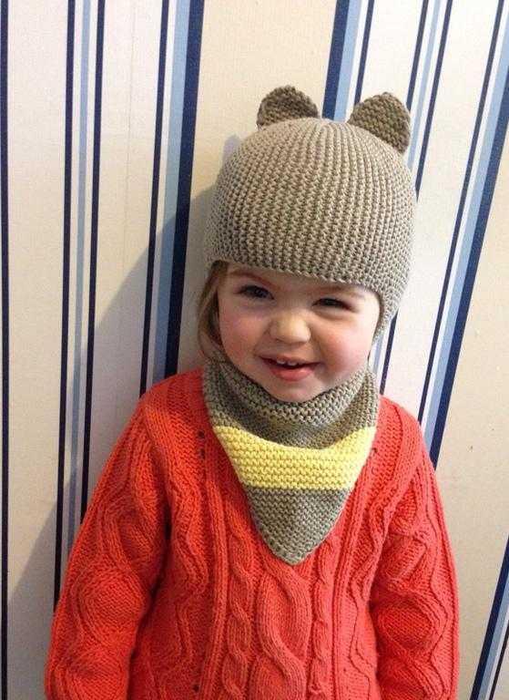 Вязание детской шапочки с ушка 908