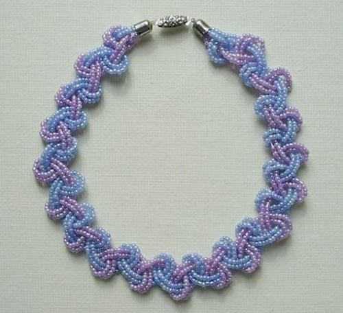 Прозрачное ожерелье из бисера