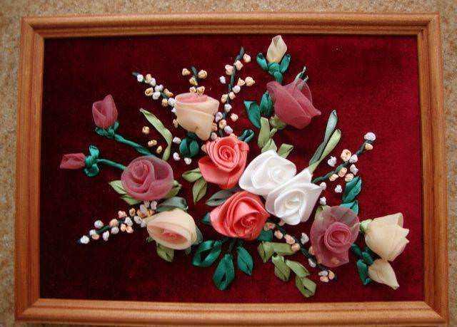 Канзаши мастер класс. Цветы из атласных лент 35