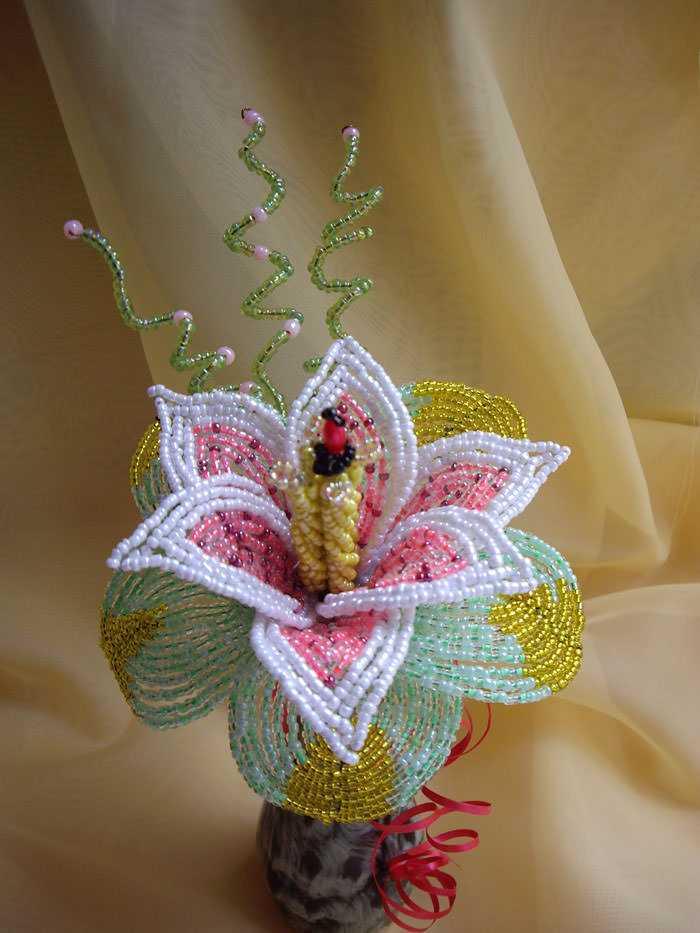 Лилии бисером пошаговое