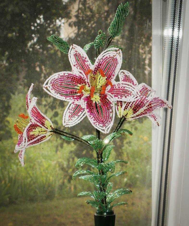 Цветы из бисера своими руками схема плетения
