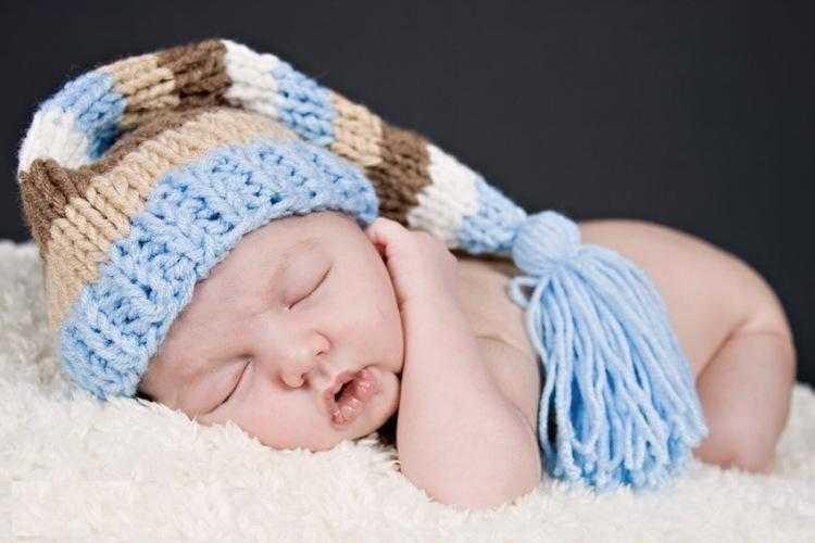 Фото как вязать шапочку для новорожденного