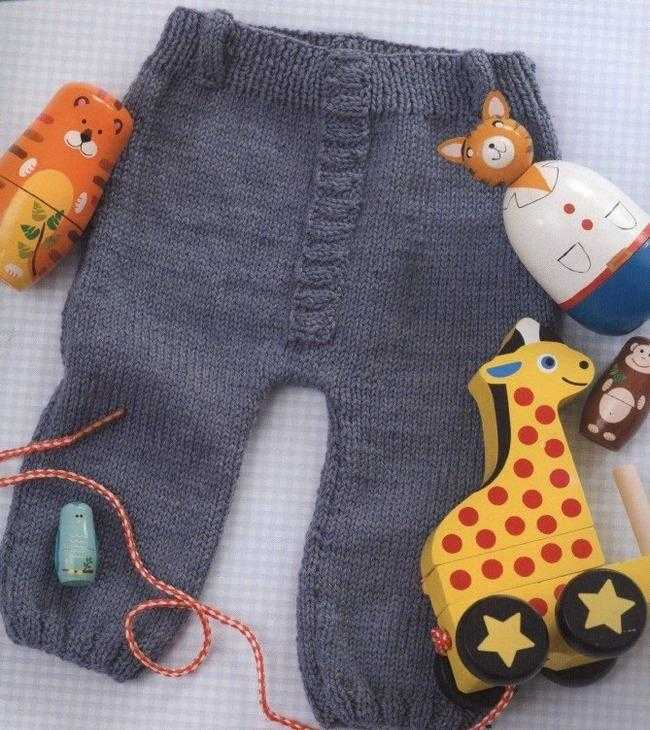 Вязать детские штаны