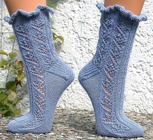 Как связать носки ажурные на спицах