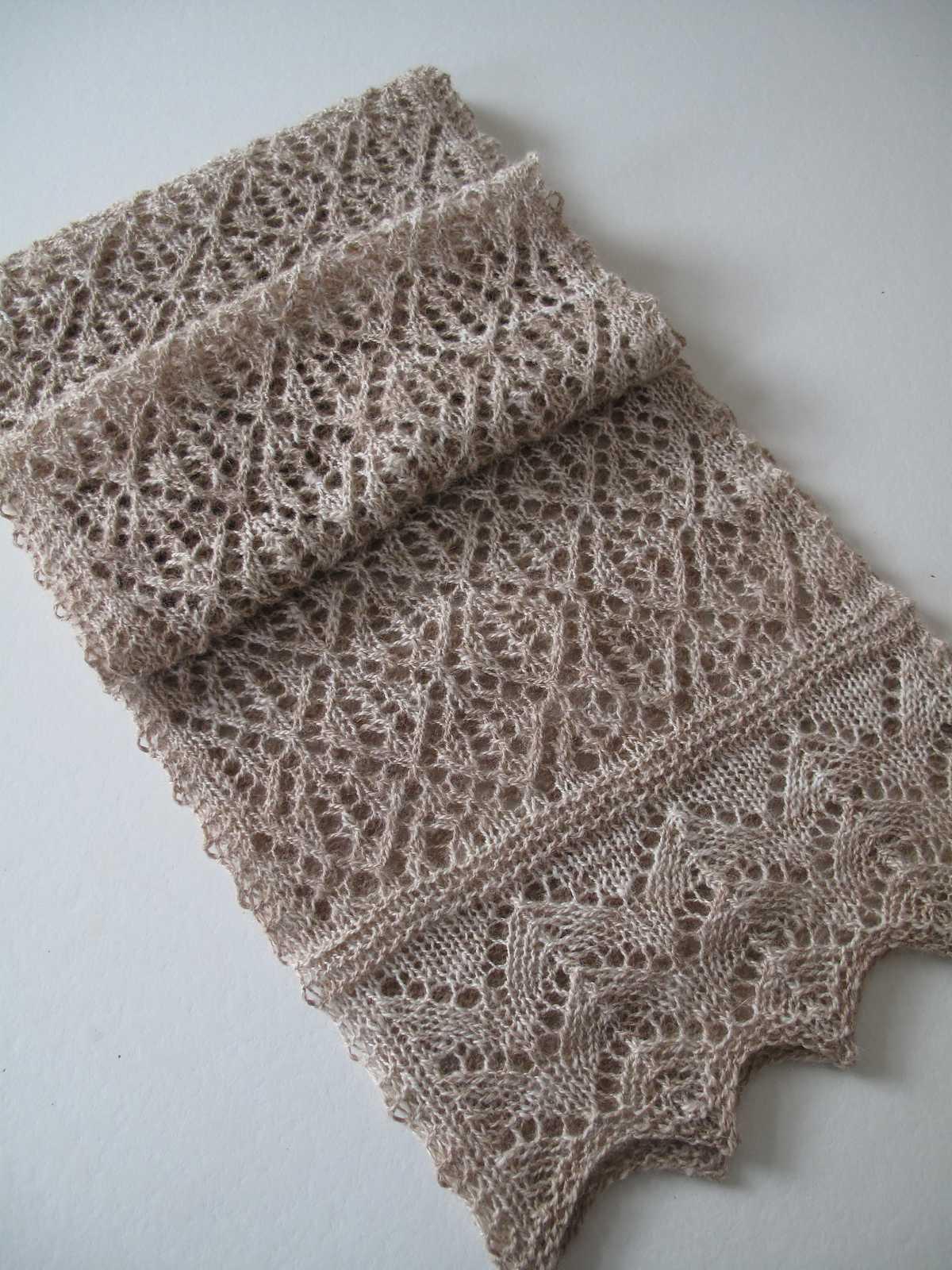 вязаные красивый женский шарф спицами со схемами