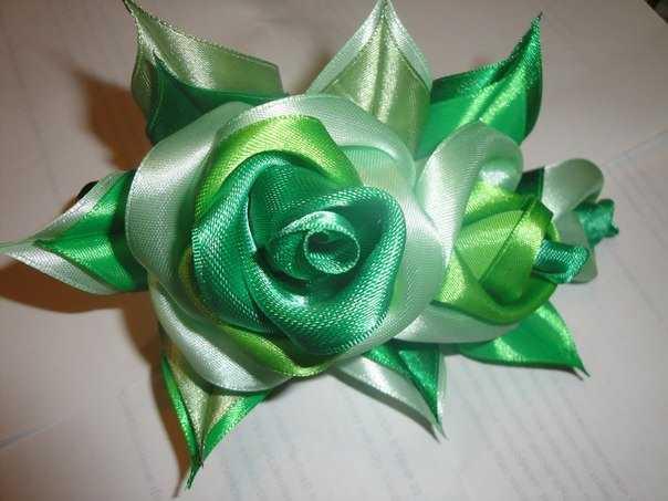 Цветок из ленточки своими руками пошагово фото 571