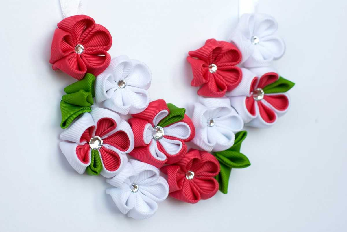 Цветы из ленточек своими руками