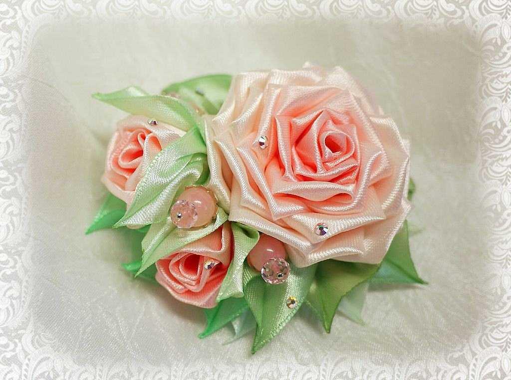 Цветы из атласных лент своими руками с мк фото 846