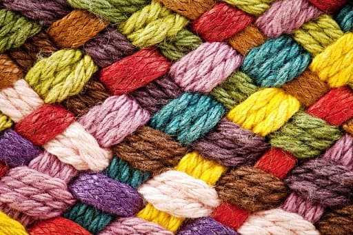 сколько стоит клубок ниток для вязания