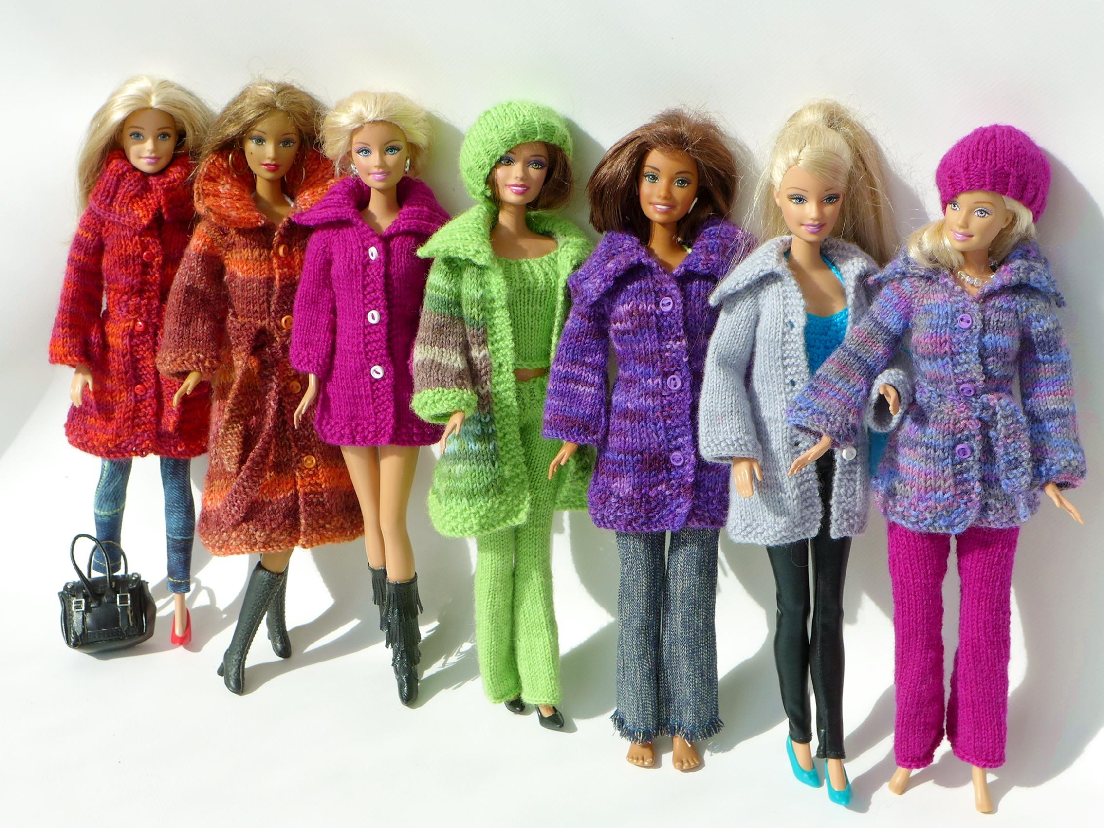 Пальто для куклы Барби крючком