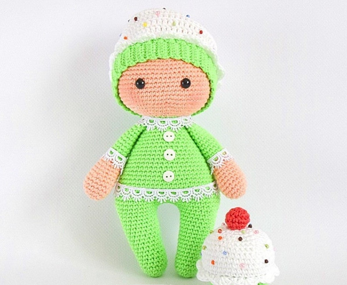 Пироженка амигуруми куколка
