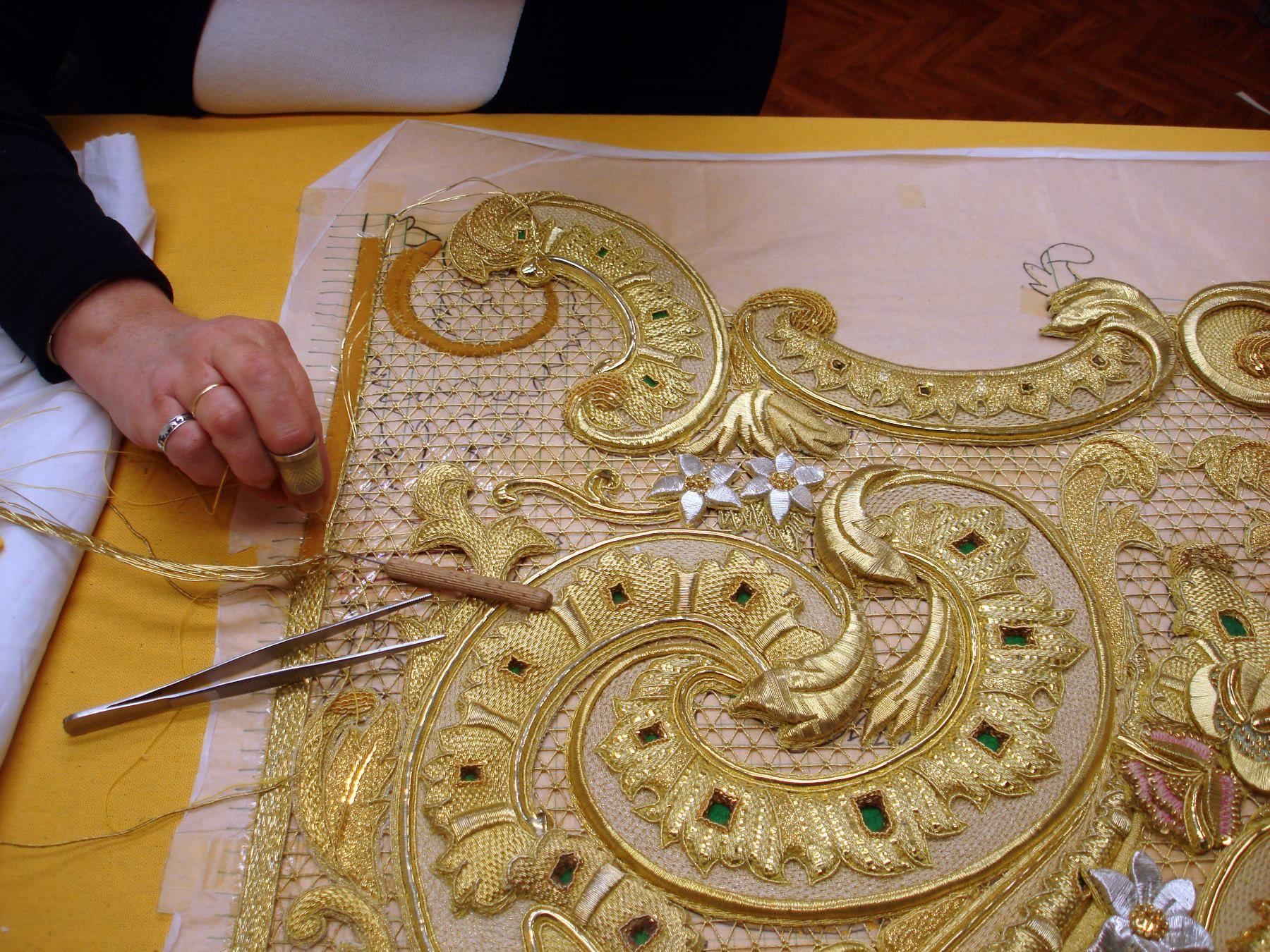 Техника золотного шитья