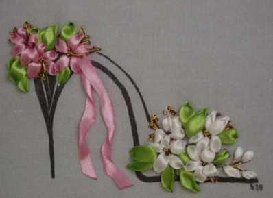 Вышивка лентами цветов в пошаговых мастер-классах для начинающих 77302b803df2e